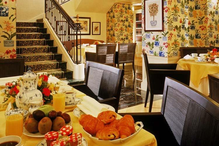 Breakfast Room - Hotel François 1er - Paris
