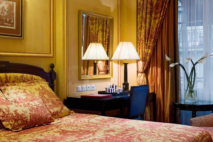 Standard Room - Hotel François 1er - Paris
