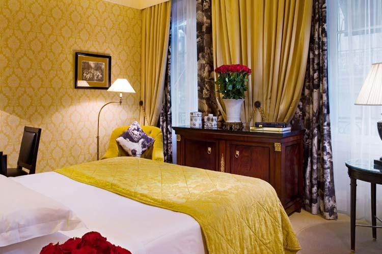 Superior Room - Hotel François 1er - Paris