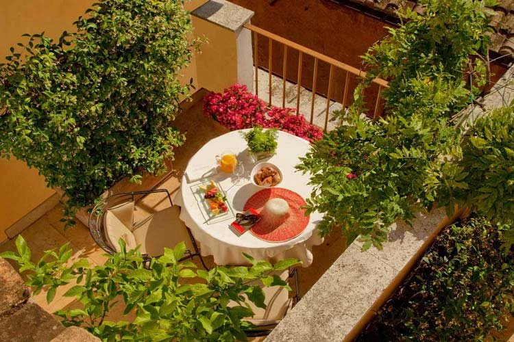 Hotel Raphael Relais Chateaux A Boutique Hotel In Rome Page