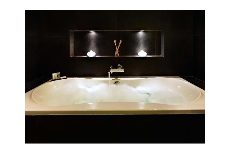 Superior Suite Bath - AMS Suites - Amsterdam