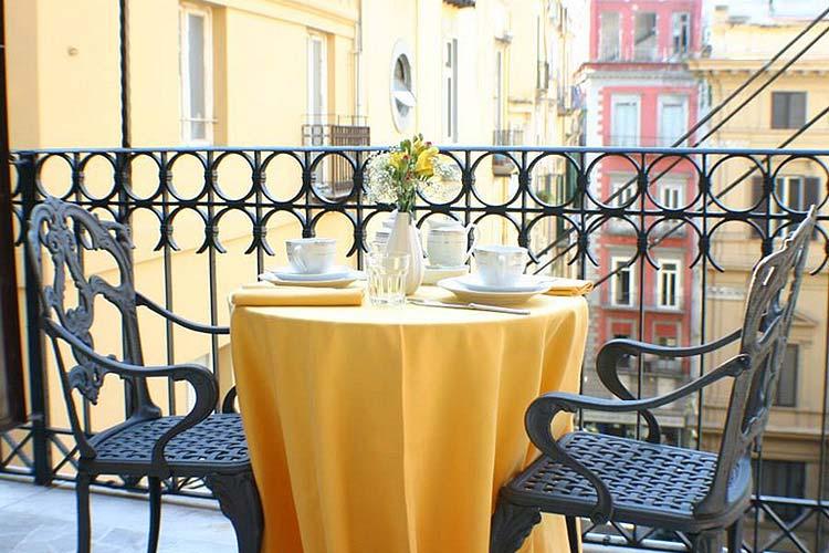 Room Terrace - Art Hotel Galleria Umberto - Neapel