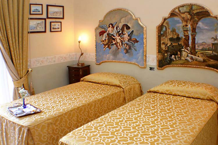 Dependance Economy Room - Art Hotel Galleria Umberto - Neapel