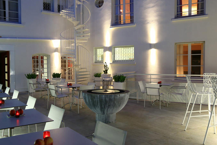 Terrace - Hotel Cezanne - Aix-en-Provence