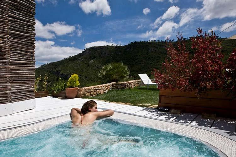 Jacuzzi - Hotel Mas Mariassa - Pratdip