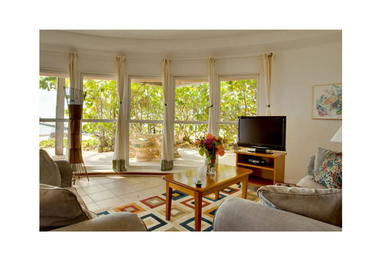 Living Room - Xanadu Island Resort Belize - San Pedro