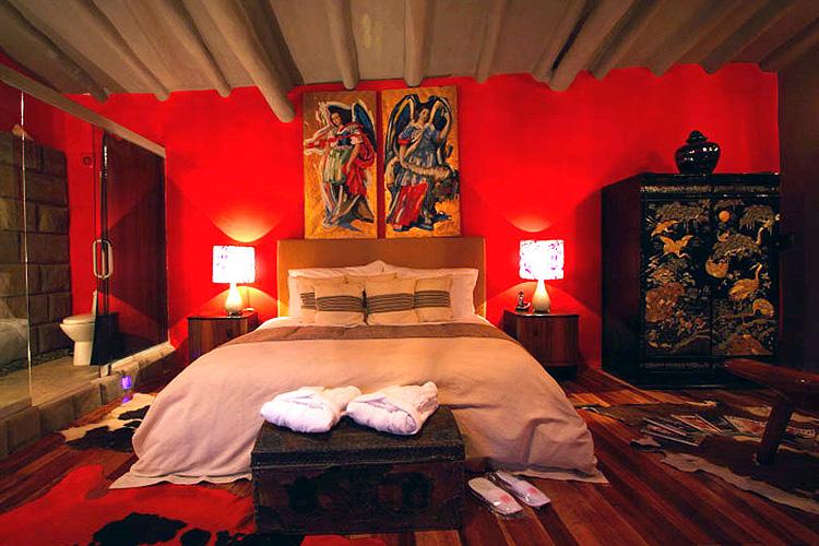 Red Room - Fallen Angel - Cusco
