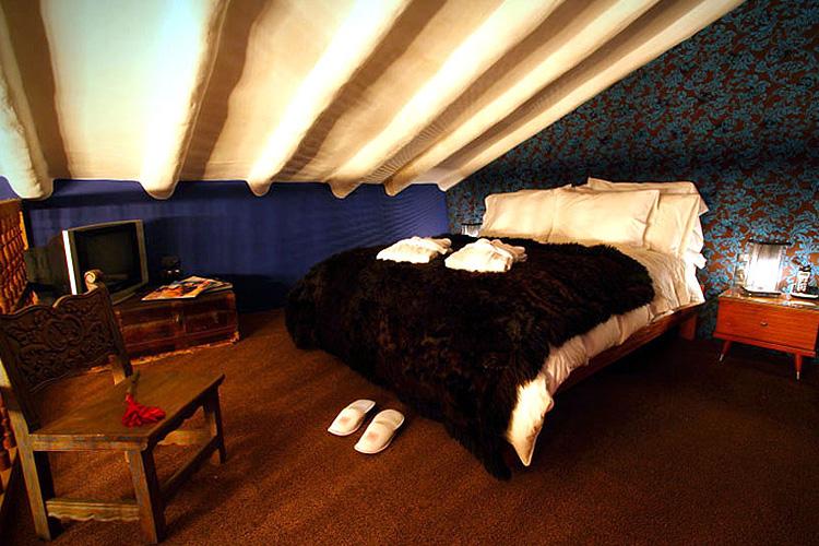 Blue Room - Fallen Angel - Cusco