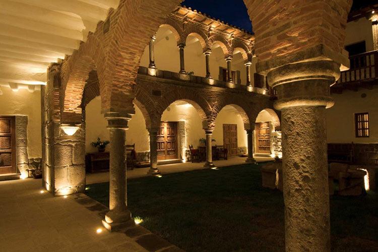 Courtyard at Night - Inkaterra La Casona - Cusco