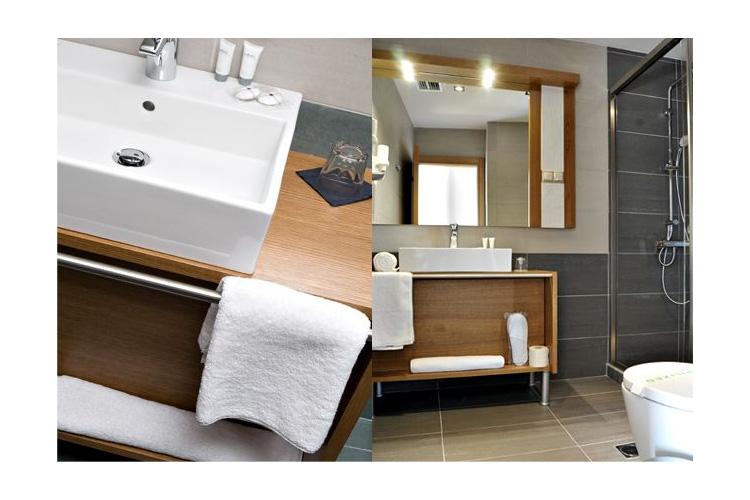 Bathroom - A for Athens - Atenas