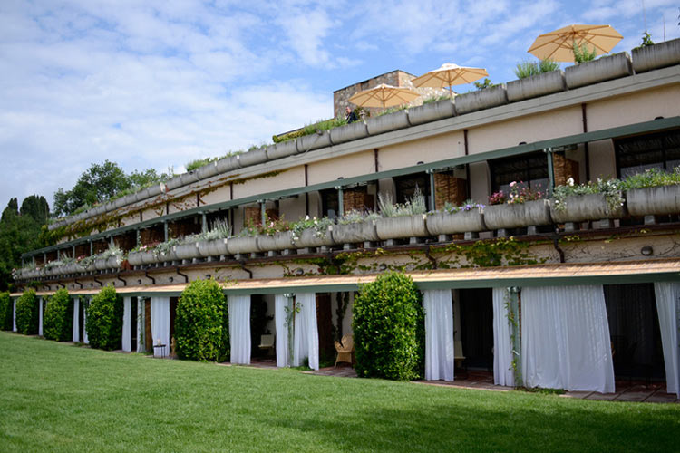 Hotel terre di casole a boutique hotel in tuscany for Small great hotels