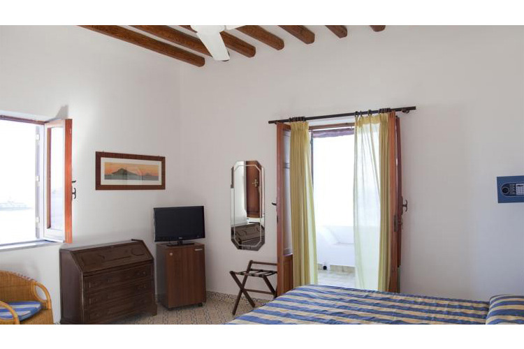 Superior Double Room with Sea View - Hotel Cincotta - Panarea
