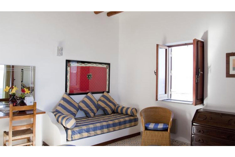 Superior Triple Room with Sea View - Hotel Cincotta - Panarea