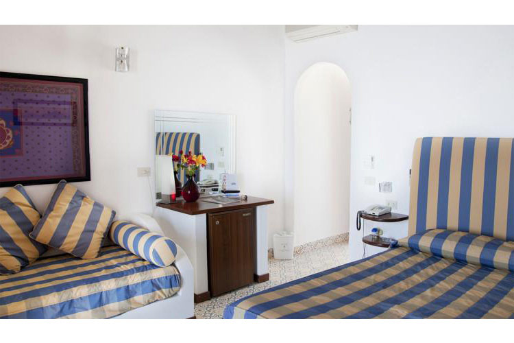 Triple Room with Sea View - Hotel Cincotta - Panarea