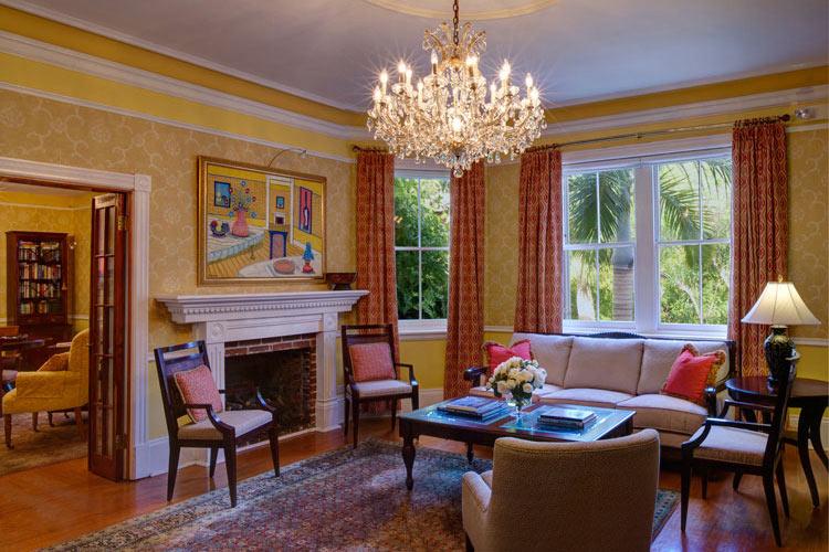 Lounge - The Royal Palms - Pembroke