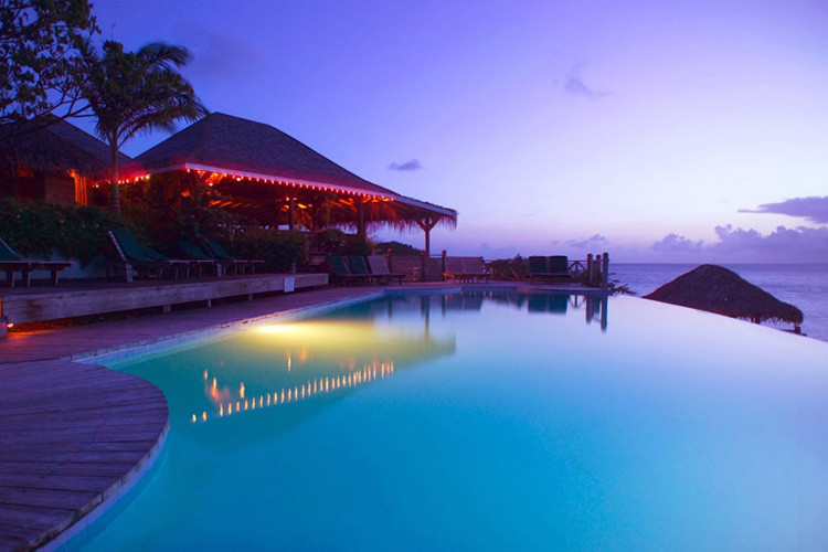 Infinity-Pool - Cocobay Resort - Jolly Harbour
