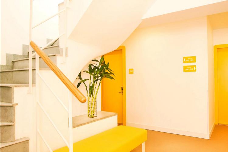 Staircase - Bloomrooms Link Rd - Neu-Delhi