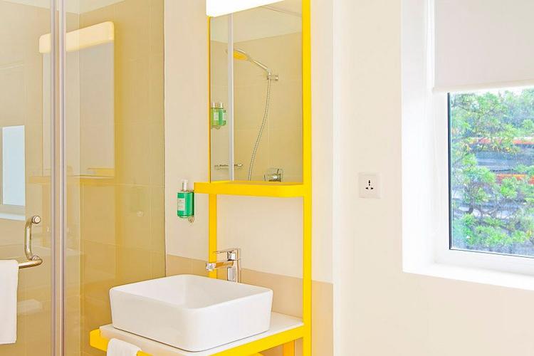Bathroom - Bloomrooms Link Rd - Neu-Delhi