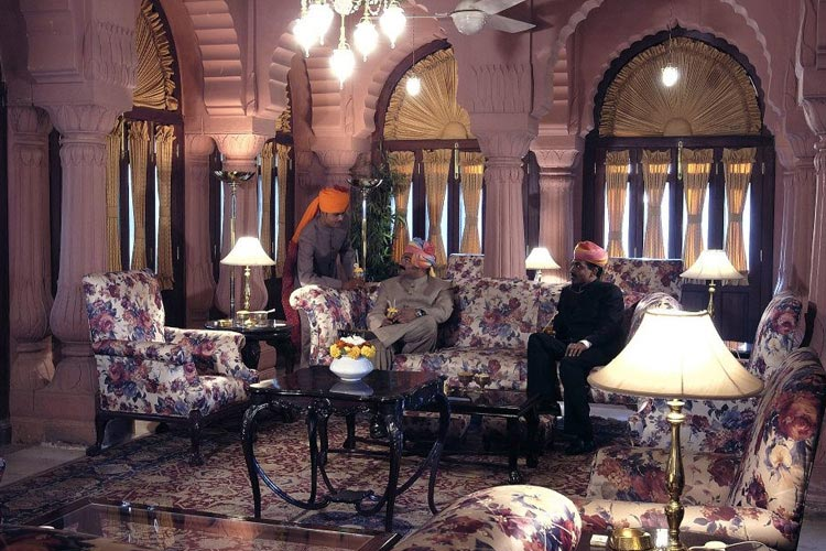 Mrigtrishna Bar - Gajner Palace Hotel - Bikaner
