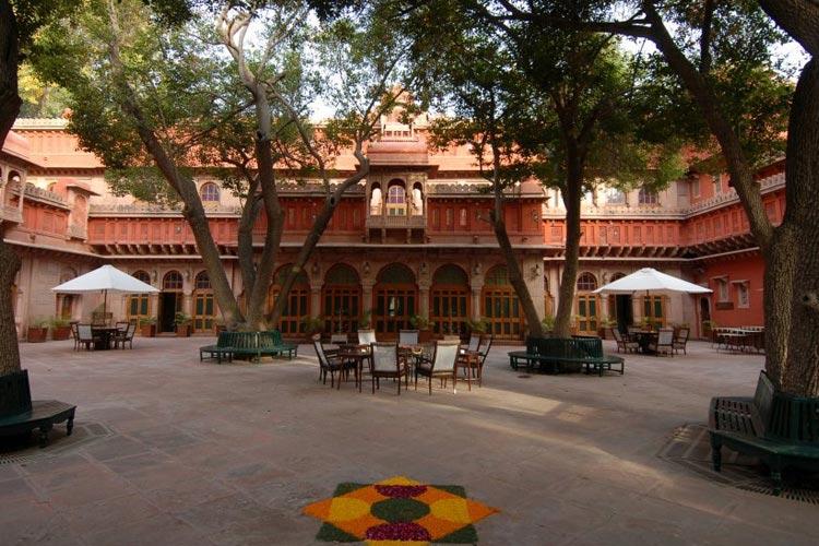 Courtyard - Gajner Palace Hotel - Bikaner