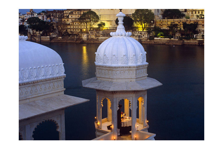 Taj lake palace ein boutiquehotel in udaipur for Terrace jhula