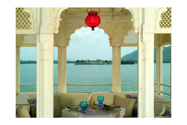 Terrace towards Sajjan Niwas - Taj Lake Palace - Udaipur