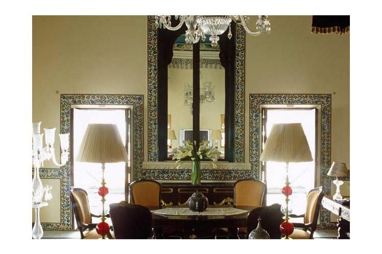 Sajjan Niwas Suite - Taj Lake Palace - Udaipur