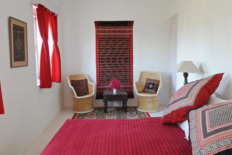 Red Room - Savista Retreat - Jaipur