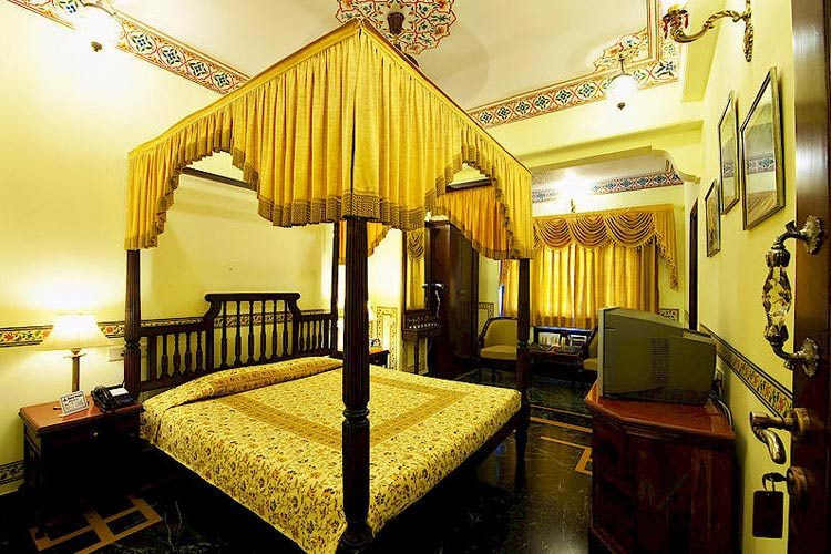 Rooms and Suites - Umaid Mahal - Jaipur