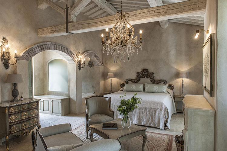 Relais borgo santo pietro a boutique hotel in tuscany for Interni ville antiche