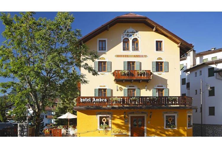 Facade - Hotel Ambra - Cortina d'Ampezzo