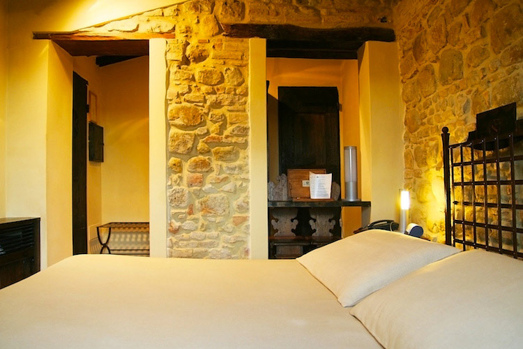 Castello di monterone a boutique hotel in umbria for Hotel design umbria