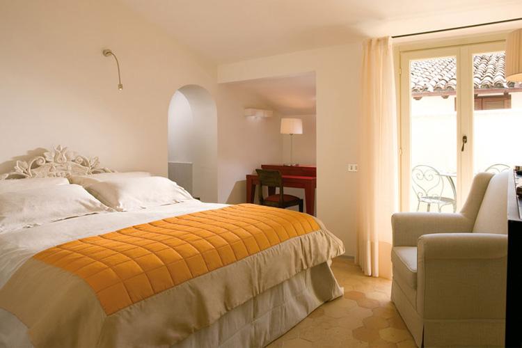 Palazzo seneca a boutique hotel in umbria for Design hotel umbrien