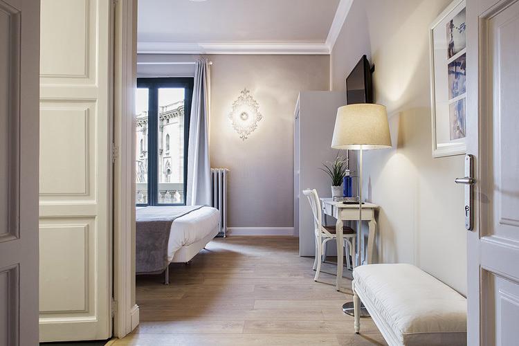 Room 2 - BacHome Gallery B&B - Barcelona
