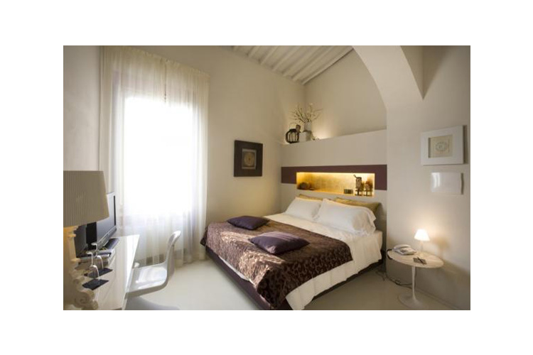 Palazzo bontadosi a boutique hotel in umbria for Design hotel umbrien