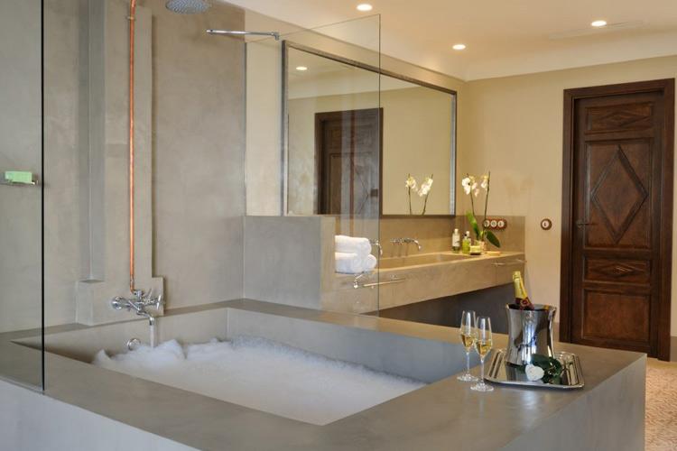 Bathroom - Palacio Carvajal Girón - Plasencia