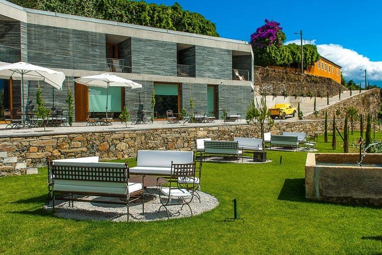 Quinta do vallado a boutique hotel in peso da r gua for Small great hotels