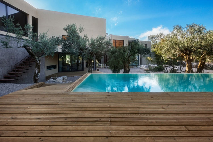 Exteriors Swimming Pool - Cooking and Nature Emotional Hotel - Alvados