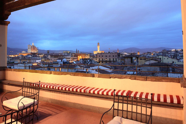 View-from-the-Roof - Palazzo Magnani Feroni - Florenz