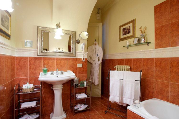 Beatrice-Suite - Palazzo Magnani Feroni - Florenz