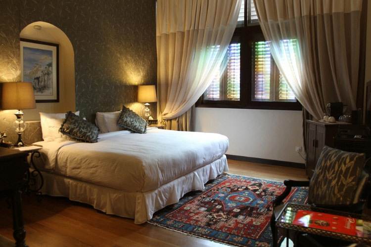 Silver Leaf Deluxe Double Room - Campbell House - Georgetown
