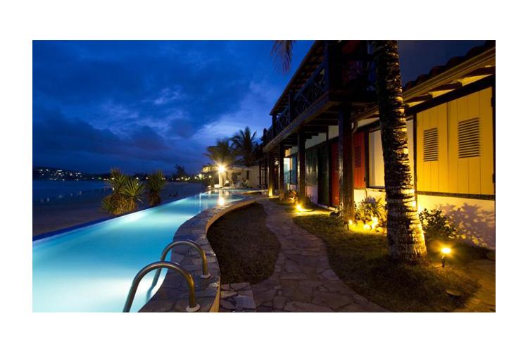 Pool at Night - Chez Pitu Praia Hotel - Armação dos Búzios
