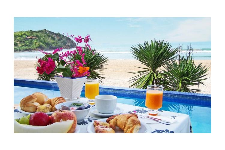 Breakfast at the Terrace - Chez Pitu Praia Hotel - Armação dos Búzios
