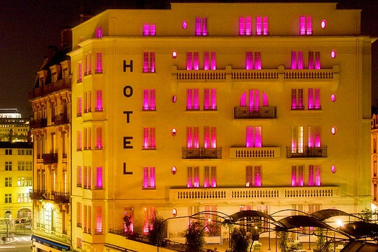 Facade at Night - Hotel le Collège - Lyon