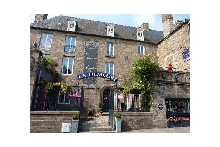 Facade - La Demeure - Guingamp