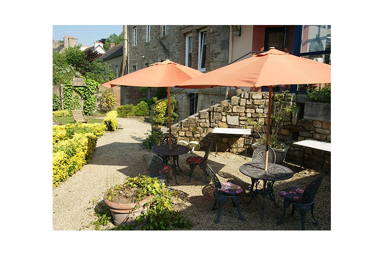 Exteriors - La Demeure - Guingamp