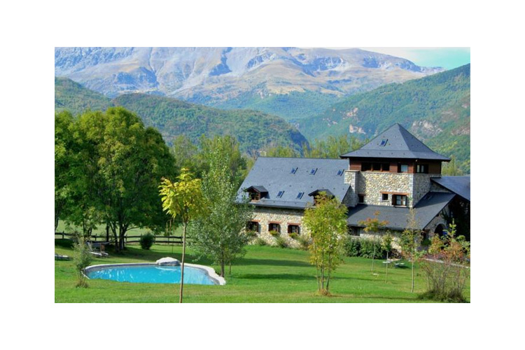 Hotel selba d 39 ansils h tel boutique huesca for Small great hotels