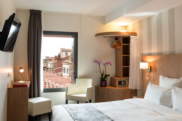 Superior Double Room - Hotel le Père Léon - Toulouse
