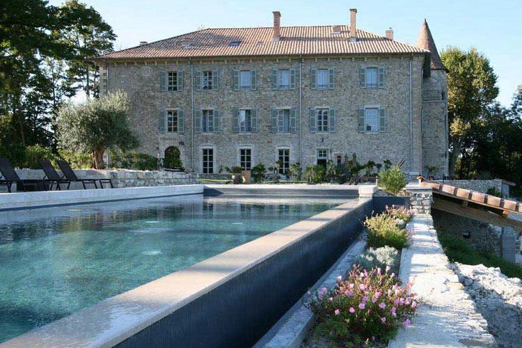 Facade - Château les Oliviers de Salettes - Charols