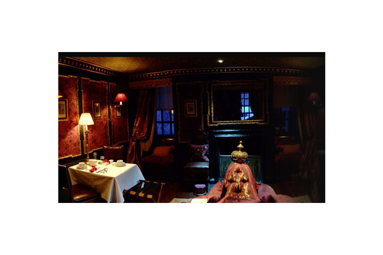 Armoury Suite - The Witchery by the Castle - Edinburgh